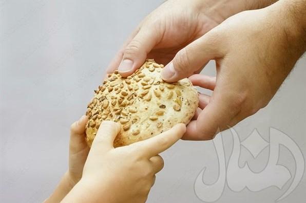 Mengajari anak untuk berbagi